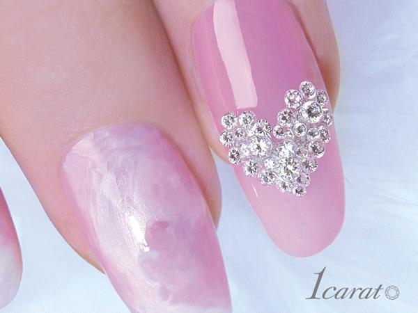 ネイルサロン ティアラ青江店 *ダイヤモンドの輝きを指先に・・・
